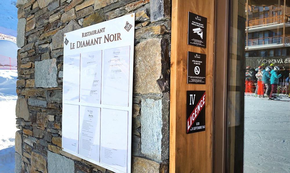 reglementaire menu exterieur hotel luxe